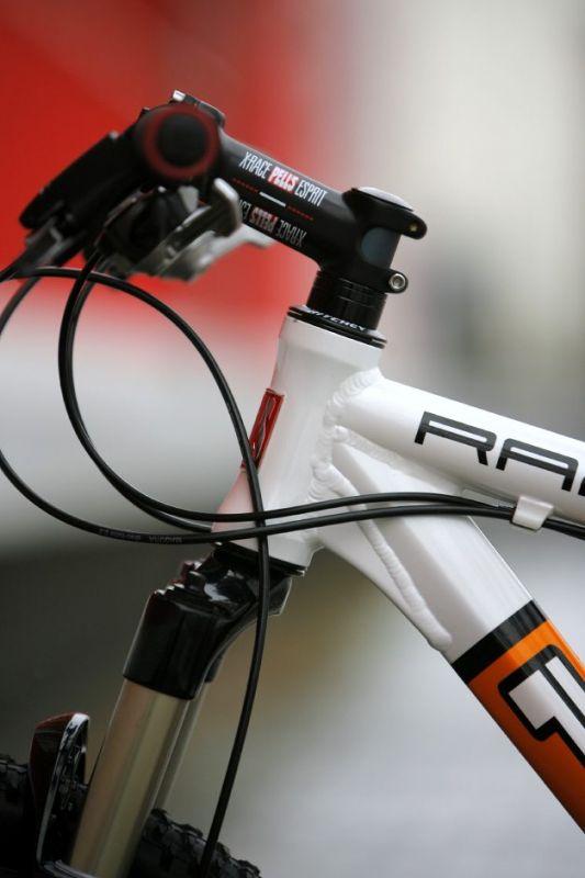 Pell's Razzer Carbon X9