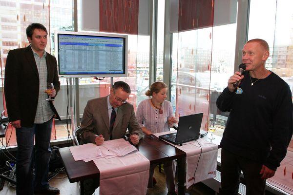 Kolo pro �ivot- Fin�lov� hra, 12.11. 2007 - Ing. Michal Slabej vyhla�uje p�ed not��em ofici�ln� �as