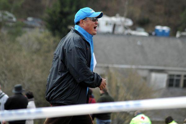 SP XC #1 2008 Houffalize - Čínský trenér byl slyšet po celém kopci. Povelům v čínštině rozuměly jen jeho svěřenky.