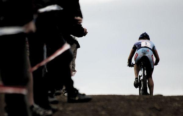 SP XC #1 2008 Houffalize - Tereza Hu��kov� v posledn�m kole