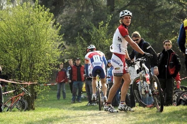 ČP XC #1 Pardubice 2008 - Kulhec mizí, Kristián čeká