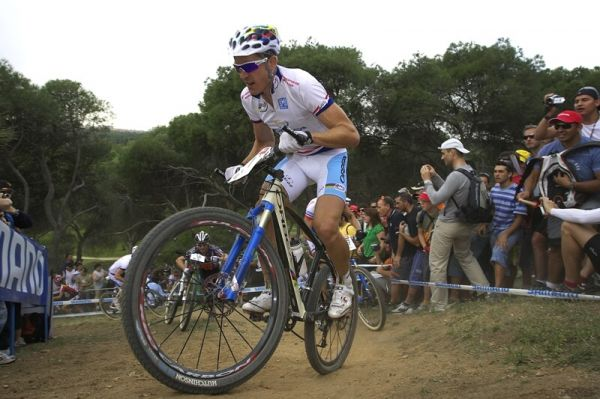 Nissan UCI MTB World Cup XC #3 - Madrid 4.5.'08 - Julien Absalon, hned za ním Jaroslav Kulhavý