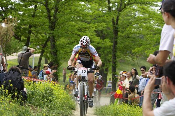 Nissan UCI MTB World Cup XC #3 - Madrid 4.5.'08 - Švýcar Martin Gujan rozjížděl první kolo