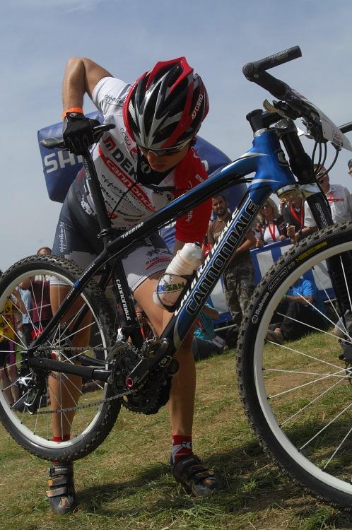 SP XC #2 2008 Offenburg - Jirka Hudeček s problémy hned po startu