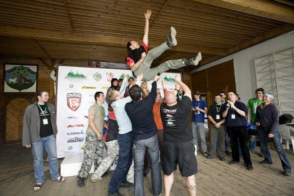 Beskidy MTB Trophy - Istebna, 4. etapa 25.5. 2008 - hlavní organizátor Grzegorz Golonko si zasloužil pochvalu, foto: Pawel/Magazin Rowerowy