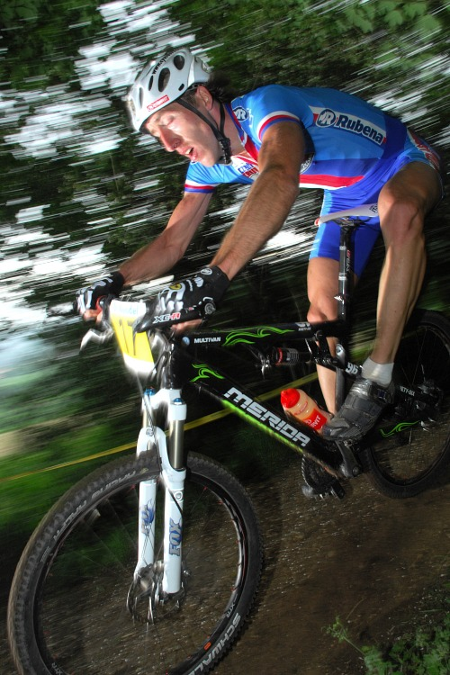 ME XC 2008 St. Wendel - mu�i Elite: Milan Sp�n� jezdil lesn� �seky poslepu
