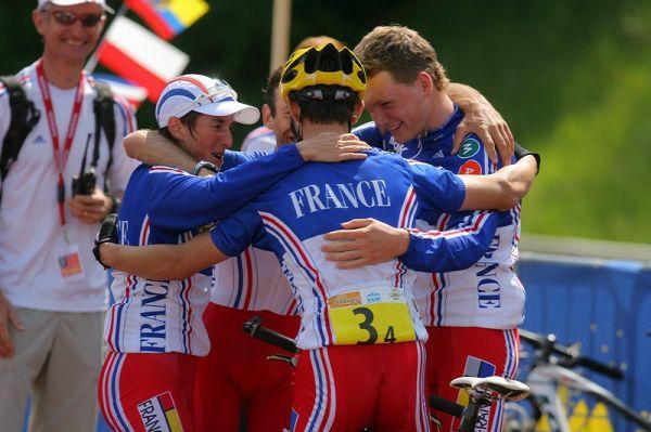 Mistrovství Evropy XC - štafety, 16.5.2008 St. Wendel/GER - radost Francouzů, jsou mistři Evropy