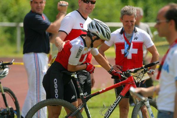 Mistrovství Evropy XC - štafety, 16.5.2008 St. Wendel/GER  -smutek Švýcarů z diskvalifikace