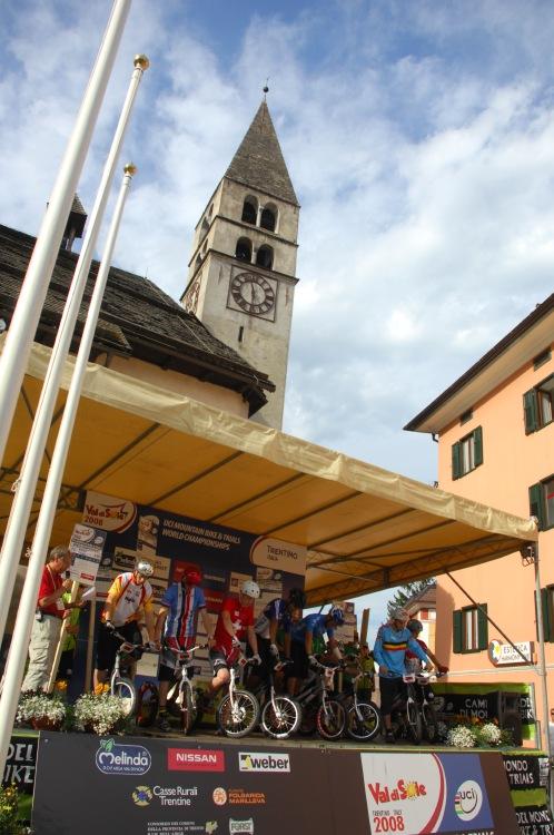 """MS MTB 2008 Val di Sole - Trial 20"""" junioři: start v Male"""