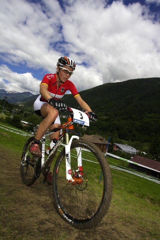 "UCI MTB World Championship 2008 - Val di Sole/ITA - 18.6. - favoritka Mona Eiberweiser dos�hla ""jen"" na st��bro"
