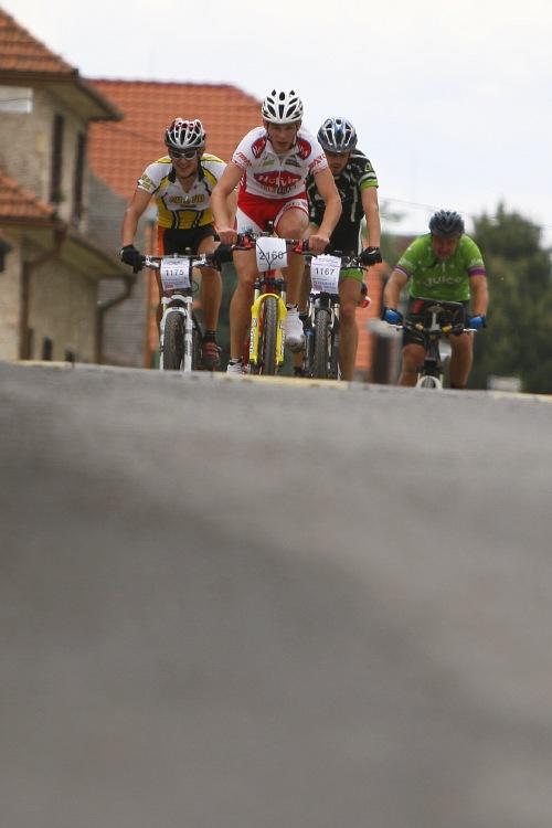 Giant Berounský BikeMaraton 2008: skupina pronásledovatelů