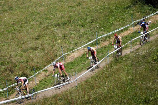MS MTB Val di Sole '08 - XC Elite: skupinka bojuj�c� o p�t� m�sto