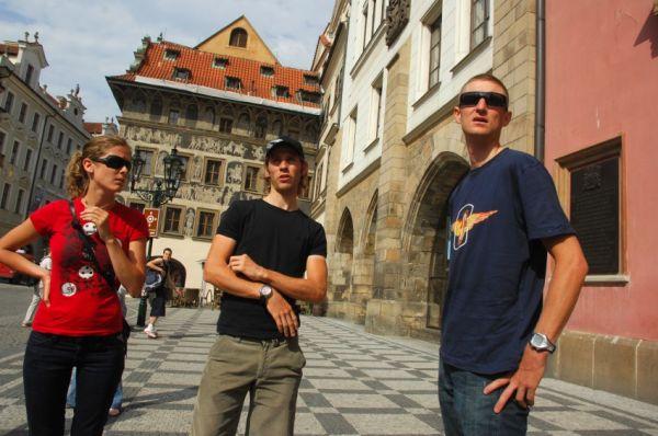 Pražské schody 2008: Fredrik Kessiakoff s přitelkyní a Roel Paulissen na Staroměstském náměstí