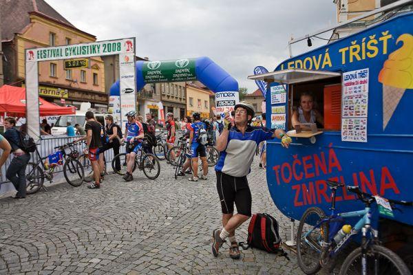 Znojmo Znovín maraton Cup 2008 - Apache Jestřebí Hory 21.6.  Foto: Miloš Lubas