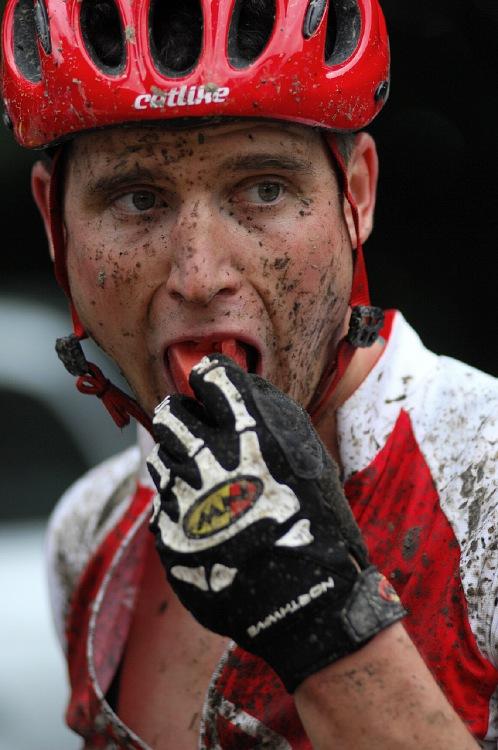 MČR Maraton 2008 - Kelly's Beskyd Tour: Olda Hakl raději zaháněl vztek melounkem