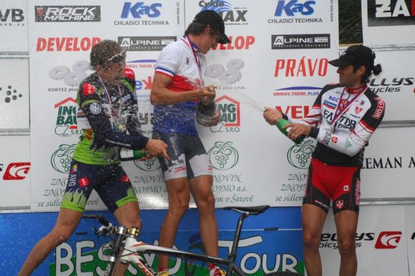 MČR Maraton 2008 - Kelly's Beskyd Tour: bublinková bitva