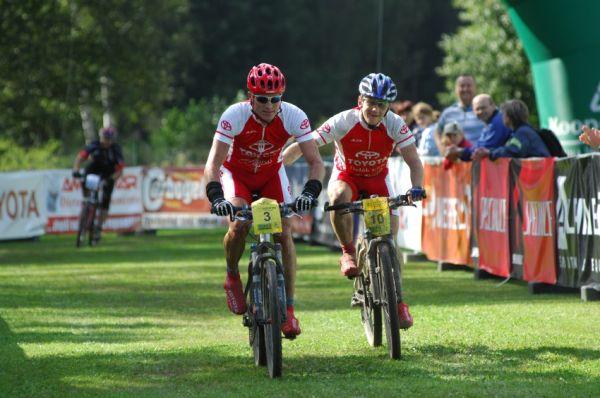 KPŽ Karlovarský AM bikemaraton ČS 2008: třetí Olda Hakl a čtvrtý Miroslav Janota