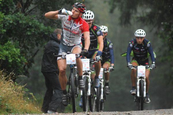 """ČP XCM #5 2008 - Giant eXtreme Bike Brdy: Pavel Boudný a """"Meriďáci"""" tvořili třetí skupinku"""