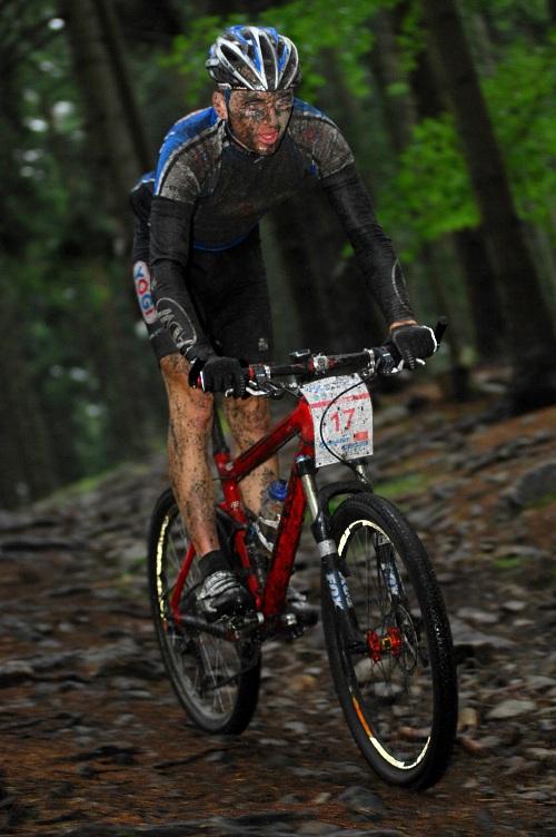 ČP XCM #5 2008 - Giant eXtreme Bike Brdy: Aleš Kestler ve sjezdu z Plešivce