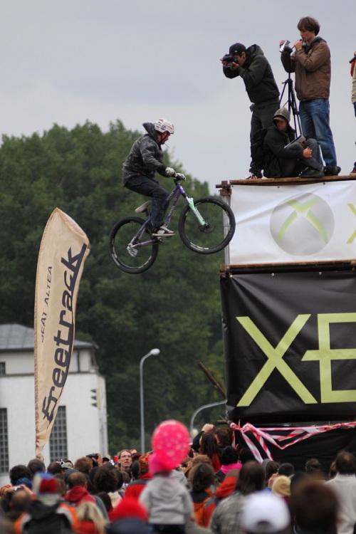 XBox 360 Slopestyle Písek '08 - Christopher Hatton a 360 z posledního dropu