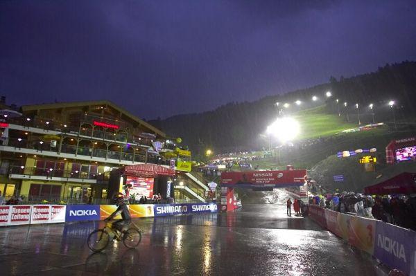 Nissan UCI MTB World Cup 4X #7 - Schladming, 12.9. 2008 - večerní, deštivý Schladming