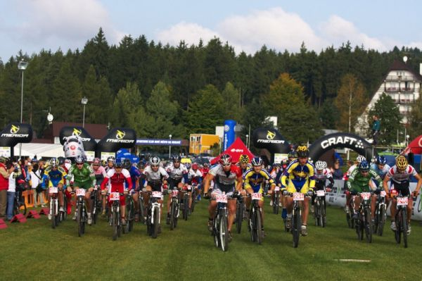 Merida Bike Vyso�ina - maraton 27.9. 2008  - start z�vodu na 40 km