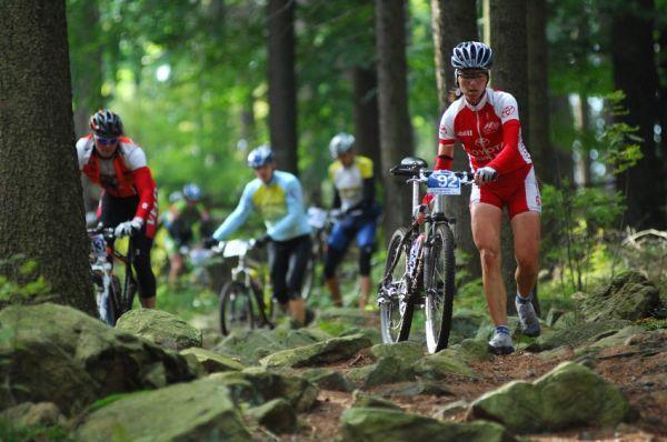 Merida Bike Maraton '08: sjezd z Bohdalced - Petra Kottov� druhou �enou