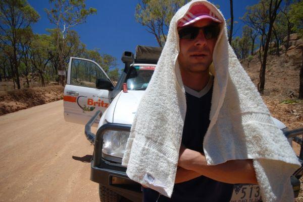 Crocodile Trophy 2008 - 4. etapa: těžký život maséra v buši...