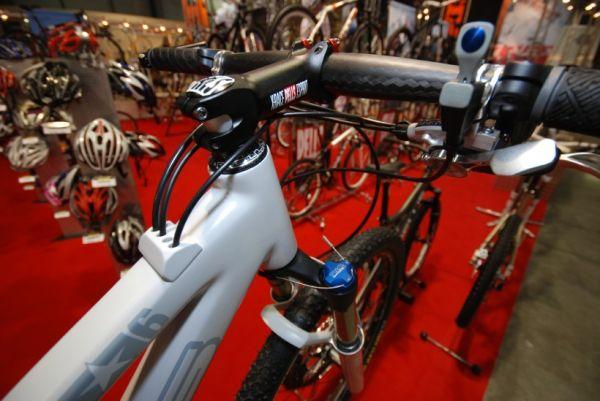 Sport Life 2008: Prototyp Pells se zajímavým vedením bovdenů