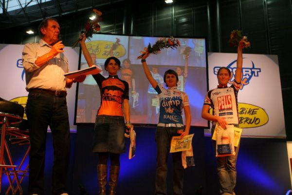 Sport Life, Brno 6.-9.11. 2008 - vyhlášení Merida Life Cupu - 1. Škarnitzlová, 2. Chmurová, 3. Strašilová
