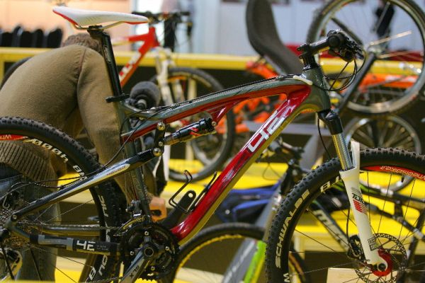 Sport Life 2008, předání cen Bike Brno Prestige, 6. 11. Brno - 4ever SXC3 - vítěz kategorie nejlepší design
