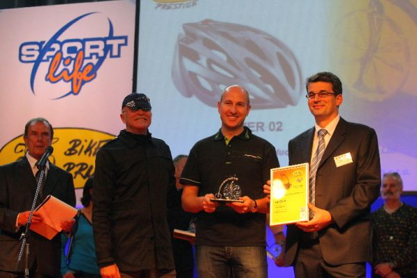 Sport Life 2008, předání cen Bike Brno Prestige, 6. 11. Brno - Gary Fisher, Petr Lavička (Merida/Lazer) a Aleš Pól