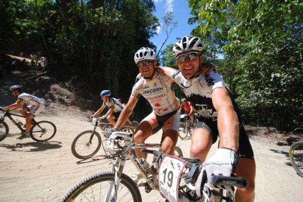 Crocodile Trophy 2008 - 10.etapa: Ivan Rybařík a jeho nový kámoš Craig Gordon