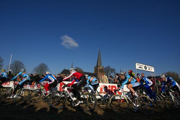 Mistrovství světa Cyklokros, Hoogerheide/NIZ - 1.2. 2009 - po startu mužů