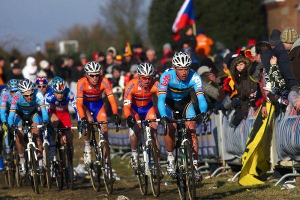 Mistrovství světa Cyklokros, Hoogerheide/NIZ - 1.2. 2009 - Sven Nijs v čele