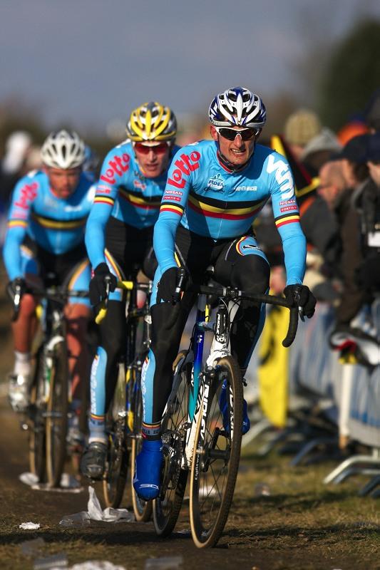 Mistrovství světa Cyklokros, Hoogerheide/NIZ - 1.2. 2009 - belgičtí vlčáci v čele s Bartem Wellensem