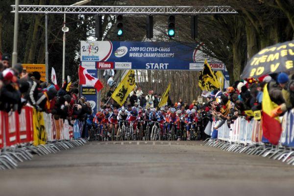 MS Cyklokros Hoogerheide /NED/ 2009 - start ženského závodu