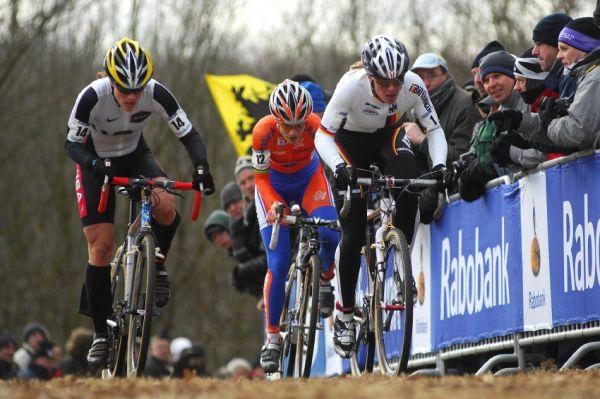 MS Cyklokros Hoogerheide /NED/ 2009 - vedoucí trojice Compton, Vos, Kupfernagel