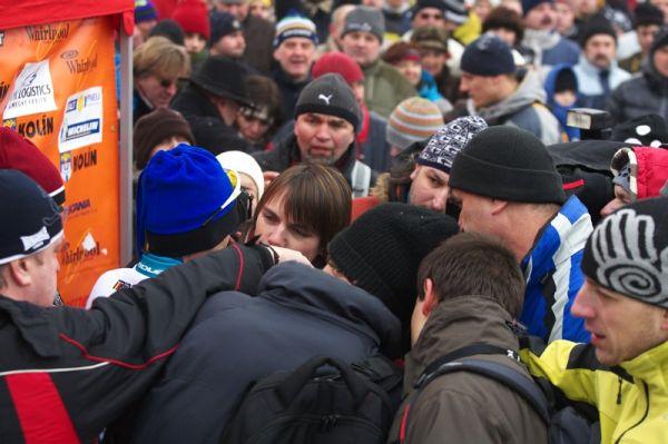 Mistrovství ČR cyklokros - Kolín 10.1. 2009 - zájem médií o vítěze