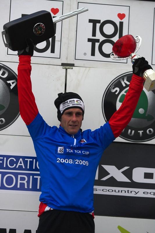 Mistrovství ČR cyklokros - Kolín 10.1. 2009 - Martin Bína se stal vítězem osmidílného Toi Toi cupu 2008/09