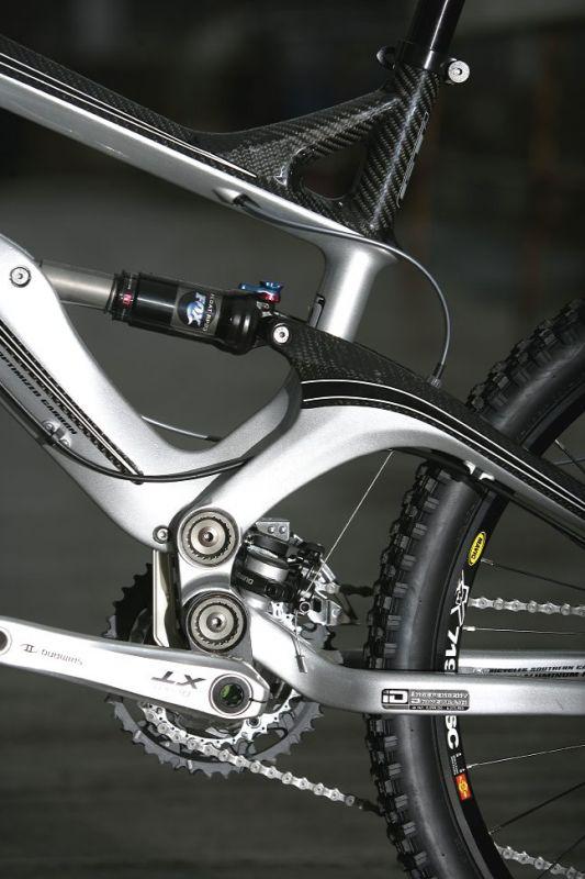 GT Force Carbon Expert 2009