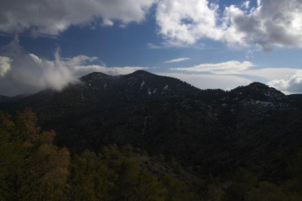 Sunshine Cup #2 - Afxentia Stage Race 2009, Kypr - Machairas Mountains jejíž vrcholky přesahují 1000 m.n.m. pokrýval o víkendu sníh