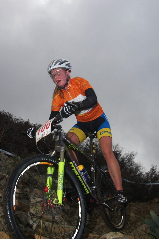 Sunshine Cup #2 - Afxentia Stage Race 2009, Kypr - Alexandra Engen v dresu lídra Sunshine Cupu