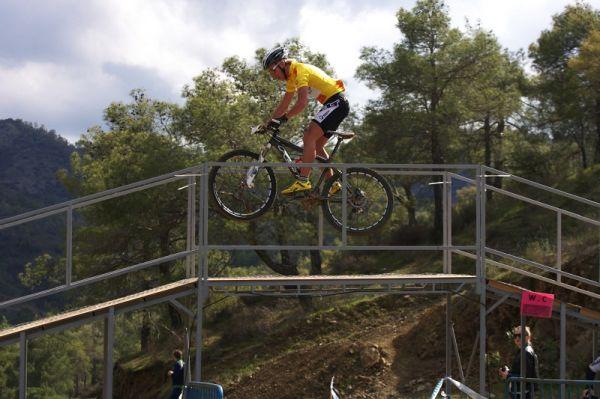 Sunshine Cup #2 - Afxentia Stage Race 2009, Kypr - Emil Lindgren si závěrečné metry závodu užíval...