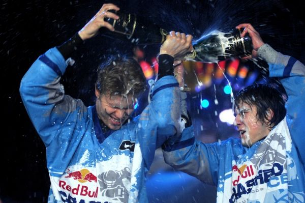 Red Bull Crashed Ice 2009 - Praha Vy�ehrad: Jouhkimainen a Fiala