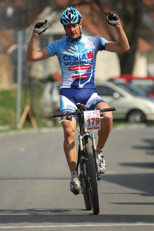 MTB Přes dva kopce 2009: Tomáš Trunschka vítězí