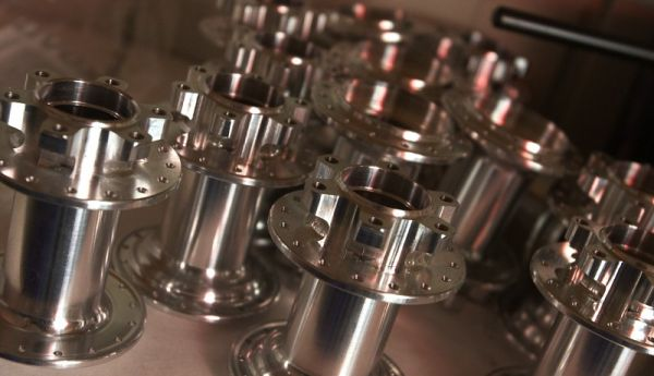 Tune factory - čerstvě vysoustružené náboje
