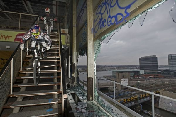 Dare to stair in Derelict Downhill 09 - Michal Prokop /photo: Joerg Mitter & Rutger Pauw for Global-Newsroom.com/