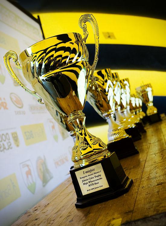 Maja Wloszczowska MTB Race - Jelenia Góra 9.5. 2009 - poháry pro nejlepší ve velké stylu