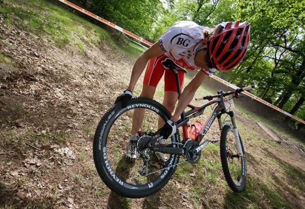 Maja Wloszczowska MTB Race - Jelenia Góra 9.5. 2009 - z první pozice tohle... pech v podání Marka Galinskiho